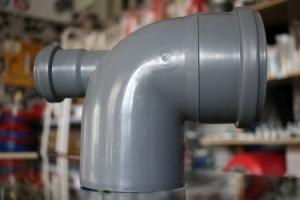 Vidaus kanalizacijos alkūnė 110/90°, pilka su atšaka
